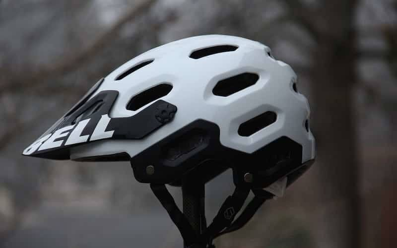 Best Mountain Bike Helmet Reviews with Buying Guide