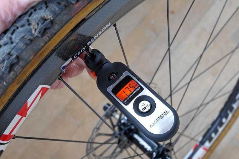 Best Tire Pressure Gauges for Mountain Bikes