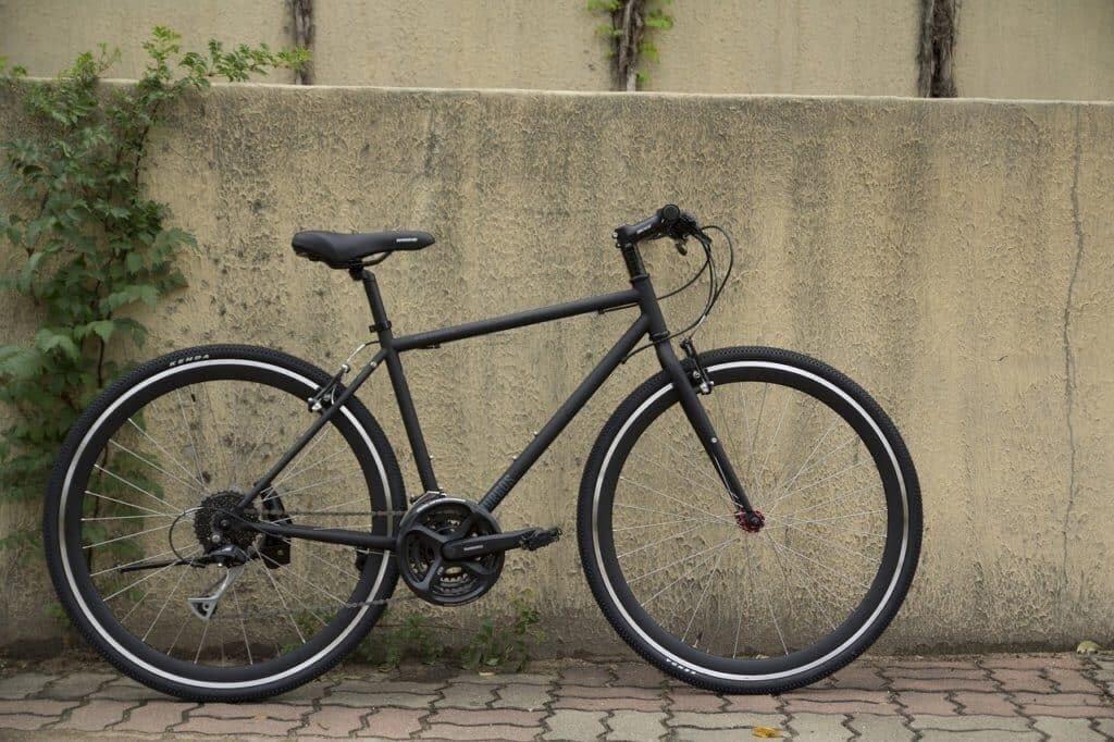 What is a hybrid bike
